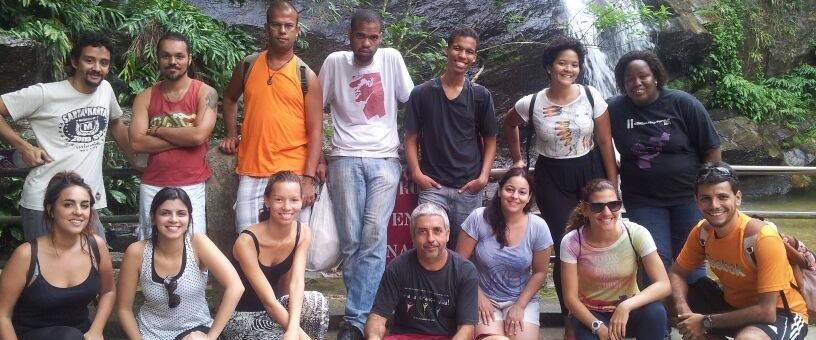 Alunos do curso de comunicação popular têm aula de geografia na Floresta da Tijuca