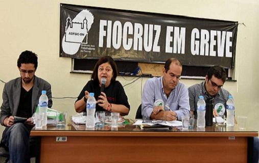 Trabalhadores da Fiocruz participam de Caminhada pela Paz e debate sobre Comunicação