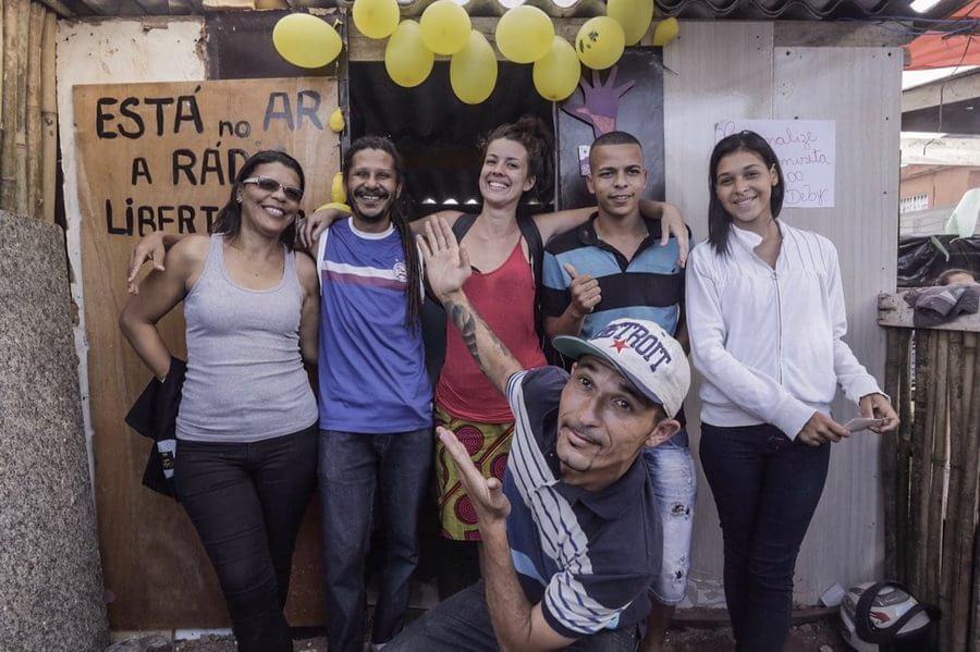 Ocupação Sem-Teto inaugura rádio, salão de beleza e bazar em SP